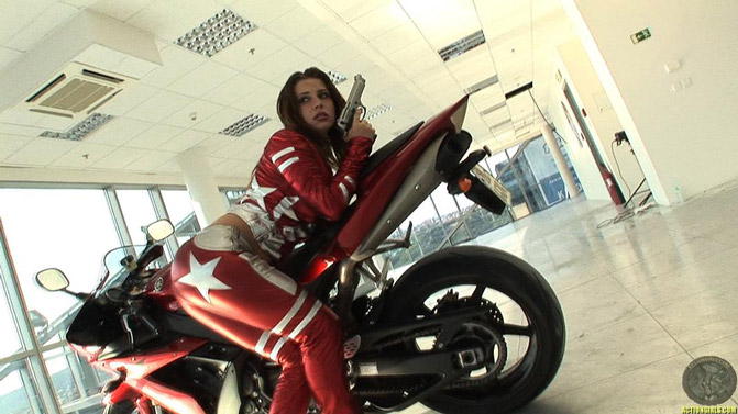Порно фильм подонки на мотоциклах